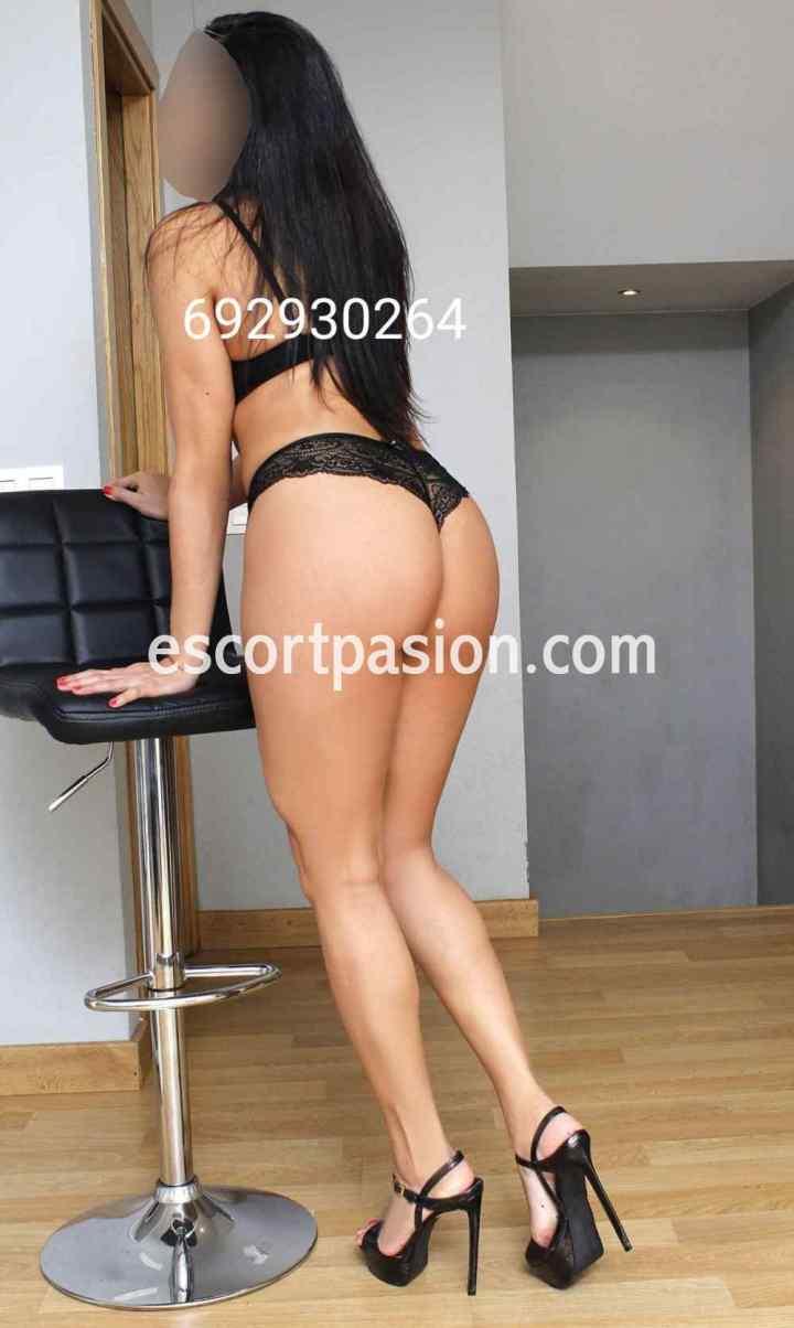 escort con sexy culo puede darte masajes eróticos desnuda con final feliz